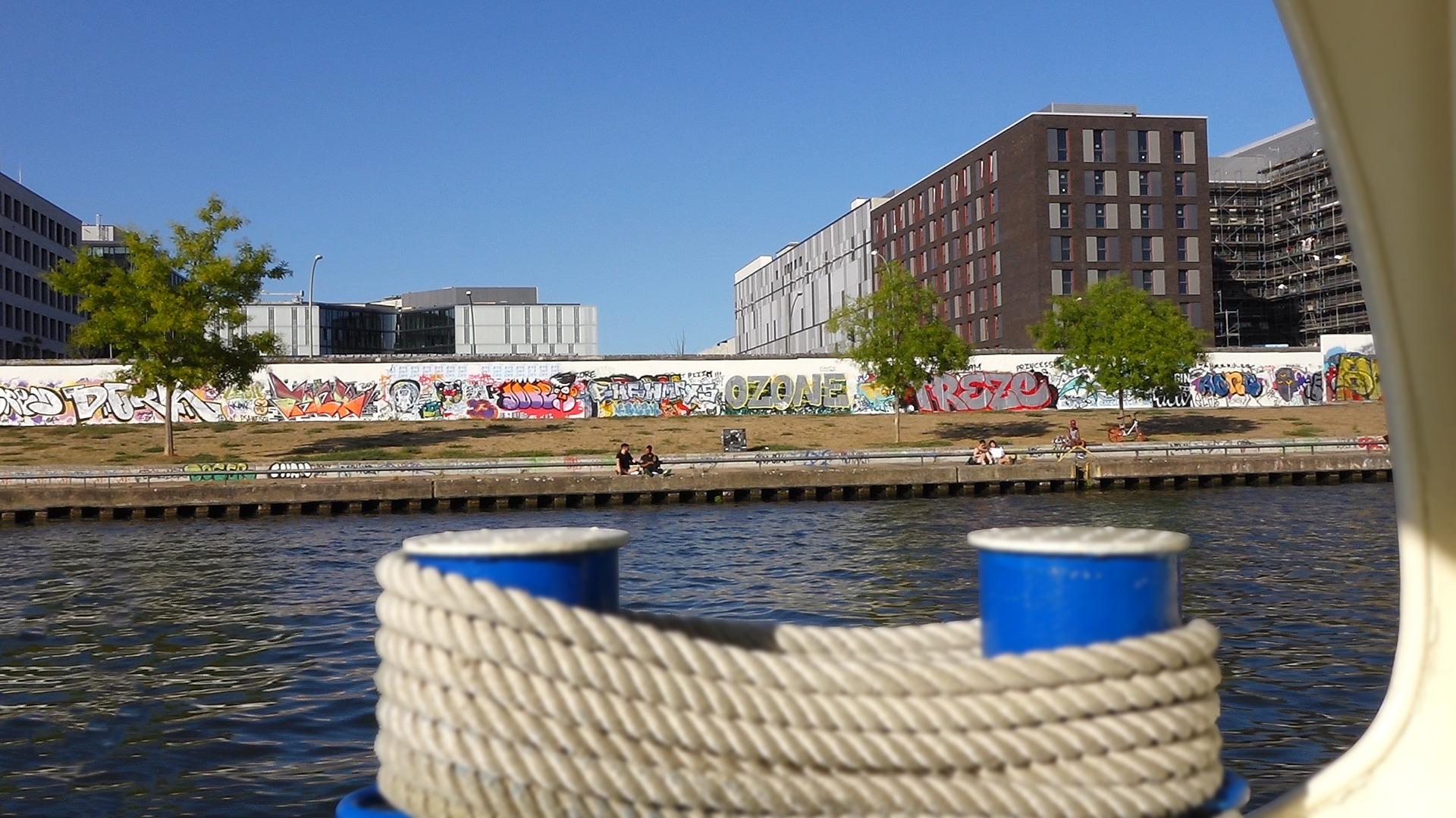Dampferfahrt Berlin - East Side Gallery