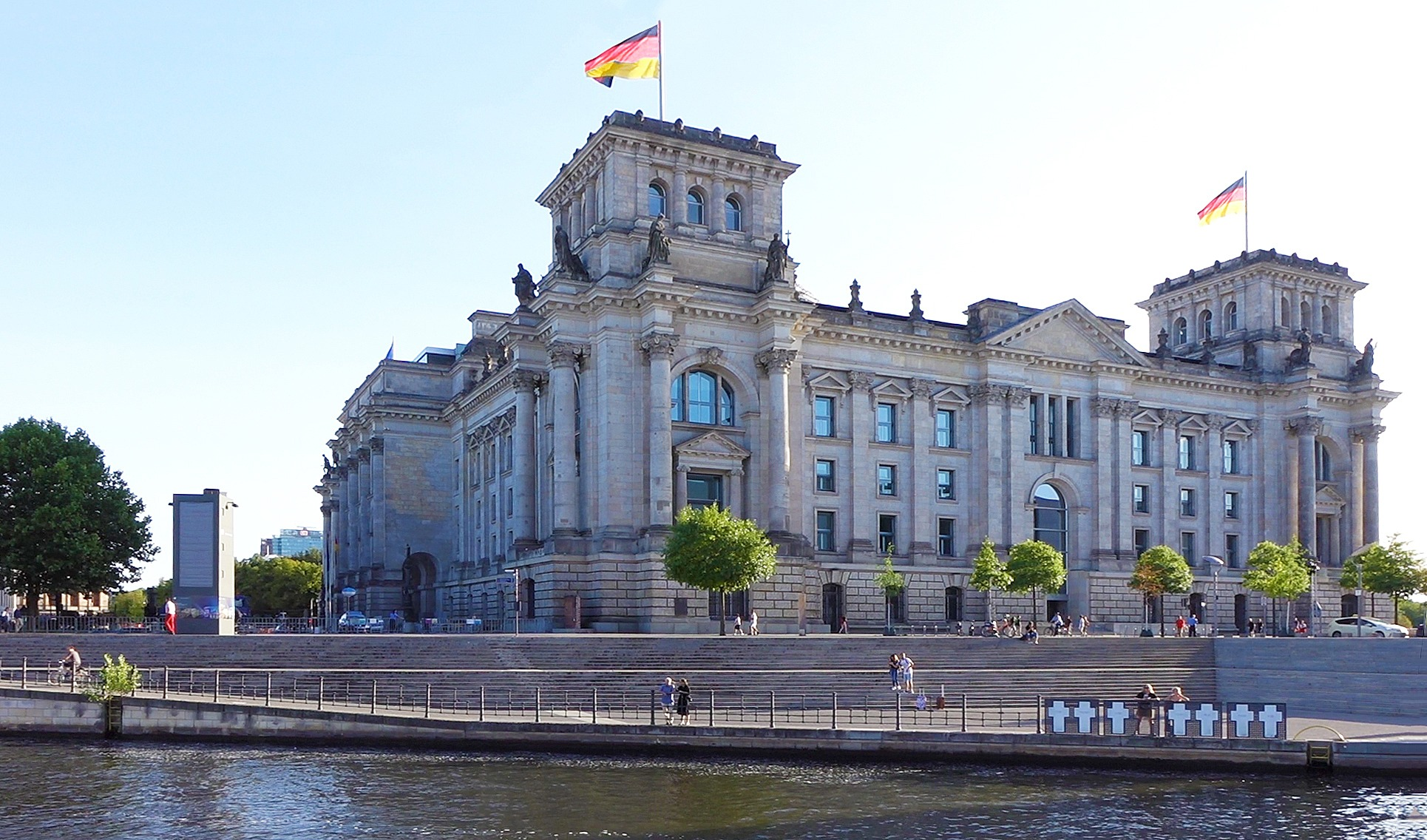 Dampferfahrt Berlin - Reichstagsgebäude