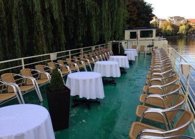 BonAmi Oberdeck Charter Weiße Tischdecken