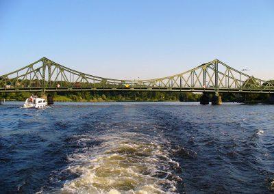 Schifffahrt Berlin Potsdam - Glienicker Brücke