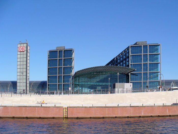 Schiffsvermietung Berlin Hauptbahnhof