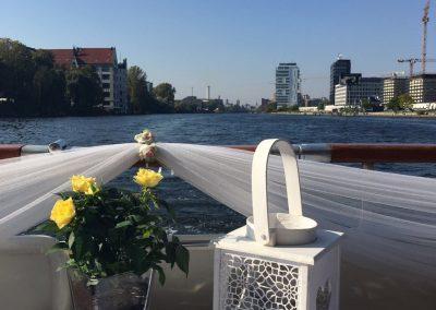 Dekoration - Ms Bellevue - Yacht charter Berlin