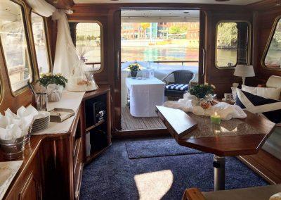 Innenraum - Ms Bellevue - Yacht charter Berlin