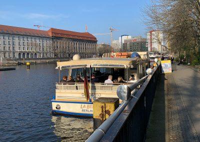 Schifffahrt Berlin - Anlegestelle Fischerinsel/ Märkisches Ufer