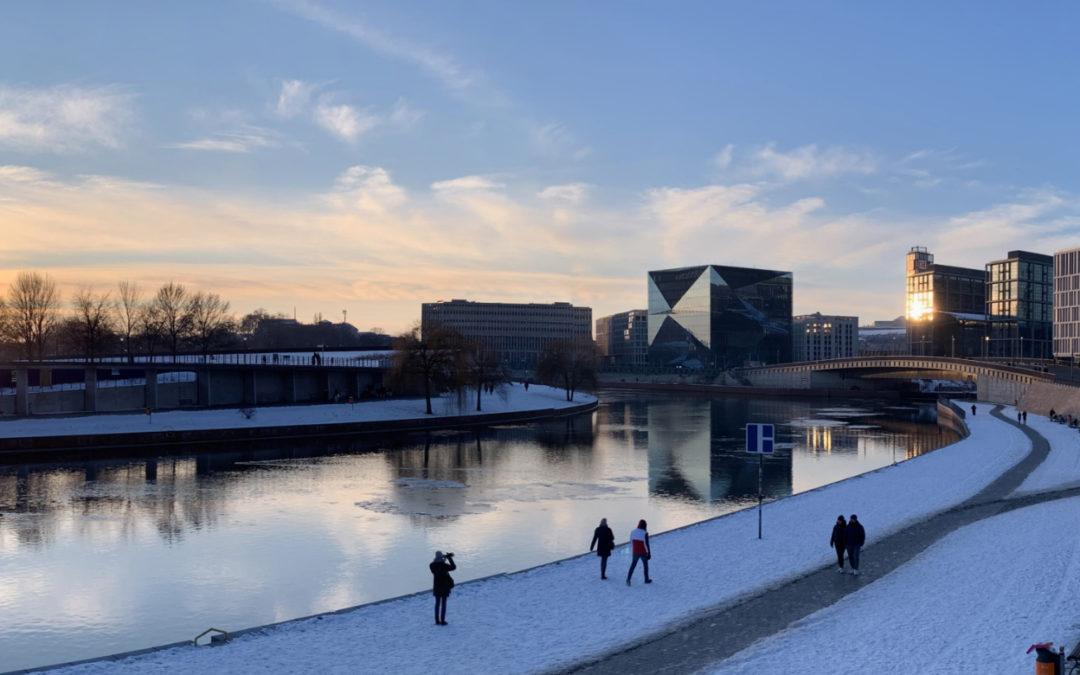 Berlin zu Fuß erleben (Teil 1) – Herrlicher Winterspaziergang entlang der Spree