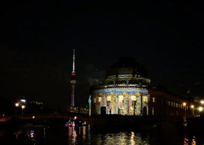 berlin-am-abend-schifffahrt-fernsehturm-bodemuseum