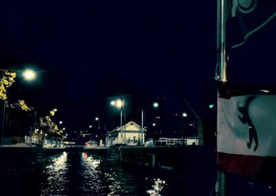 berlin-am-abend-schifffahrt-muehlendammschleuse